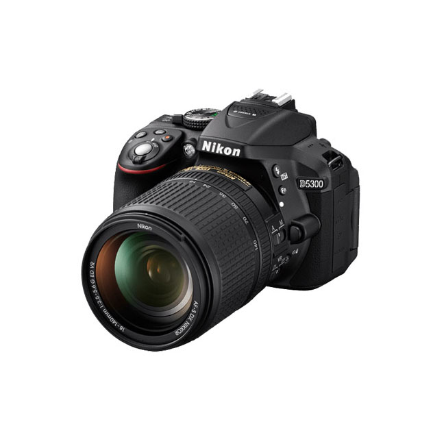 Nikon D5300 Black + 18-140mm VR