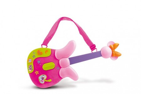 Gitara Minnie s različitim zvukovima i snimljenim melodijama. Dimenzije pakovanja 55*46,5*23 cm. Uzrast 3+.